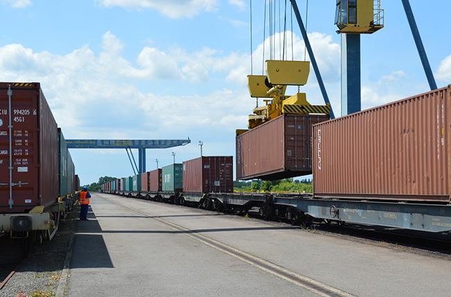 Перевозка контейнеров по сети РЖД выросла