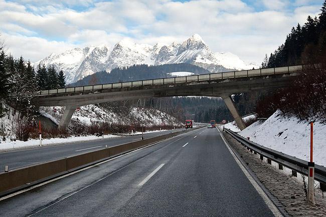 На автомагистрали А 12 Inntal в Австрии вводится запрет
