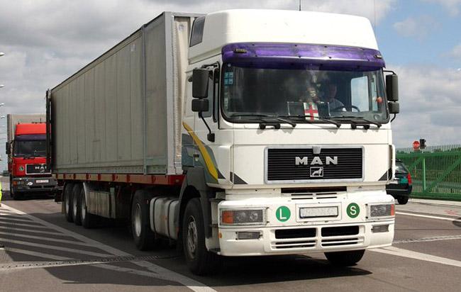 К отмене разрешений на автоперевозки грузов между РФ и Беларусью – долгий путь